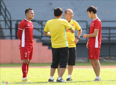 Trọng Hoàng chấn thương Ai sẽ đá cánh phải ở tuyển Việt Nam hình ảnh