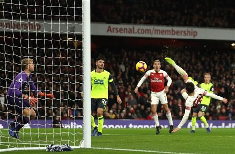 HLV Emery phát biểu trận Arsenal vs Huddersfield hình ảnh