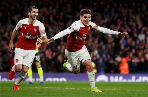 Arsenal an mung ban thang cua Torreira