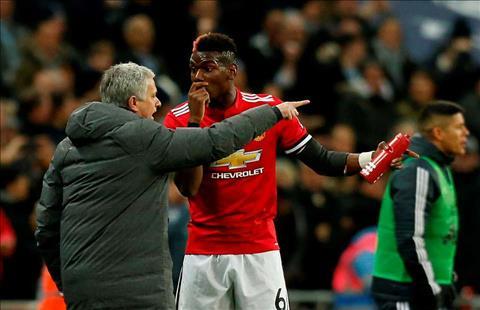 Mourinho sang to hiem khich voi Pogba sau vu Wembley hinh anh