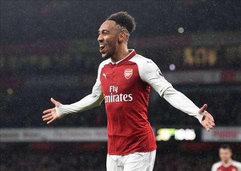 Wenger chi ra su khac biet giua Aubameyang va Thierry Henry hinh anh