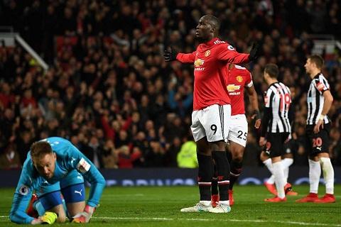 Newcastle vs Man Utd (21h15 ngay 112) Ban ha Chich choe hinh anh 3