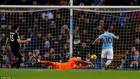 Nhung diem nhan sau tran Man City 5-1 Leicester hinh anh