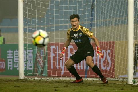 Thu mon Bui Tien Dung nhan tin vui truoc chuyen lam khach o AFC Cup hinh anh