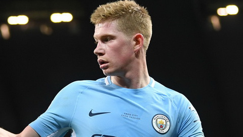 Kevin De Bruyne co hattrick kien tao trong tran thang Leicester.