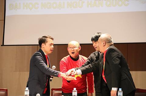 HLV Park Hang Seo bo viec rieng de o lai giao luu voi NHM Viet Nam hinh anh 2