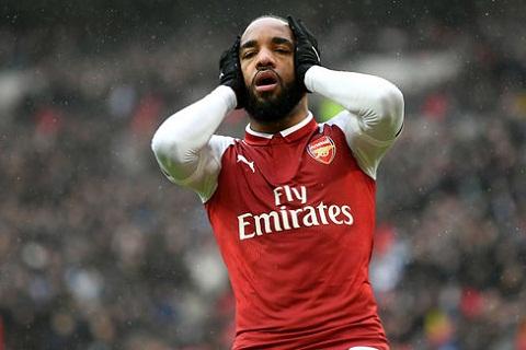 Arsenal mat lien 3 tru cot truoc dai chien Milan hinh anh