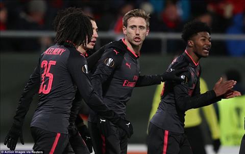 Arsenal thang de mot cach bat ngo