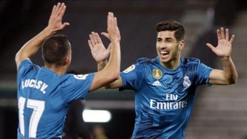 Dai thang Betis, Zidane khen Vazquez va Asensio het loi hinh anh