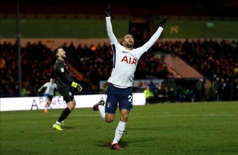 Thang khong noi doi hang ba, sao Tottenham van mo vo dich C1 hinh anh