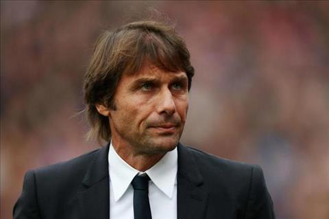 Conte len tieng ve tin don muon bo Chelsea hinh anh