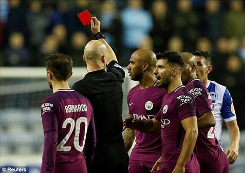 Wigan 1-0 Man City Thua soc doi hang 3, Man xanh chia tay FA Cup hinh anh 2
