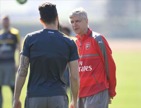 Day tien dao Olivier Giroud toi Chelsea, Wenger noi gi hinh anh