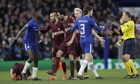 Mot so hinh anh dang chu y tran dau Chelsea vs Barca dem qua  hinh anh 8