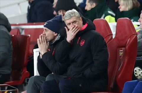Wenger dang hoi han vi tiep tuc o lai Arsenal hinh anh
