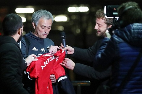 Truoc tran Man Utd vs Chelsea Tieu nhan va Ga he hinh anh 2