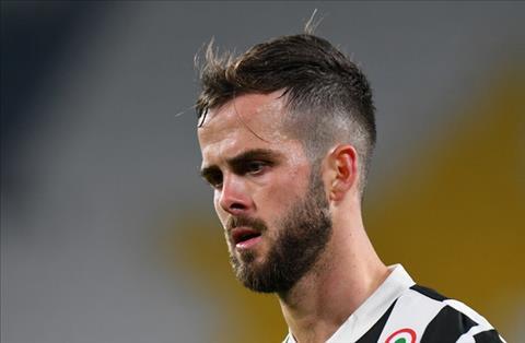 Pjanic khang dinh chi trich Juventus la khong cong bang