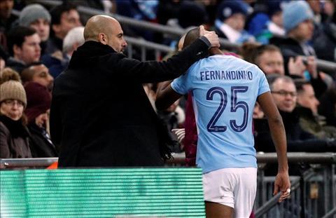 Man City nhan tin du cua Fernandinho sau chuc vo dich cup Lien doan hinh anh