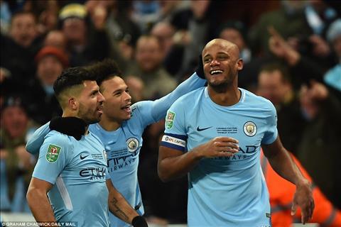 Cham diem Arsenal 0-3 Man City Goi ten Vincent Kompany hinh anh 2