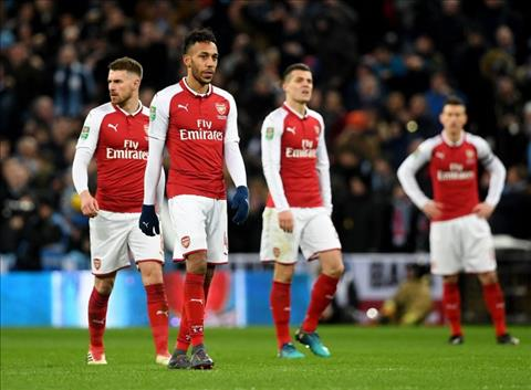 Arsenal dang so huu mot trong nhung doi hinh te nhat lich su hinh anh