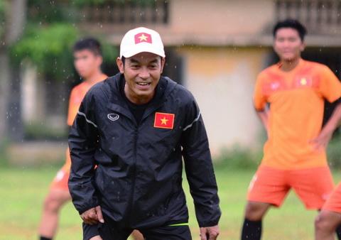 HLV Dinh The Nam va U16 Viet Nam dang chuan bi cho giai chau A dien ra vao thang 9.