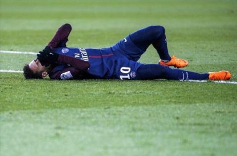 Neymar chan thuong