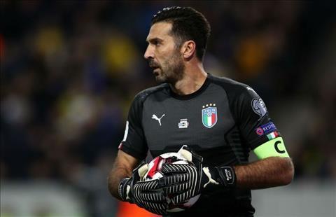 Nguoi nhen Buffon tiep tuc khoac ao DT Italia hinh anh