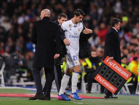 HLV Zidane canh bao tien dao Alvaro Morata hinh anh