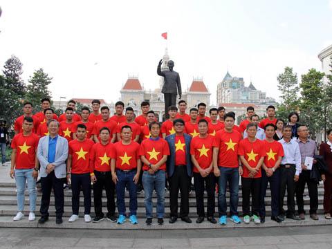 U23 Viet Nam nhan thuong lon trong le mung cong tai TP Ho Chi Minh.