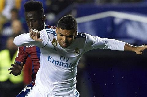 Real Madrid khong the mac sai lam truoc PSG hinh anh