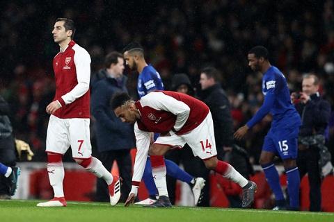 Mkhitaryan vs Everton