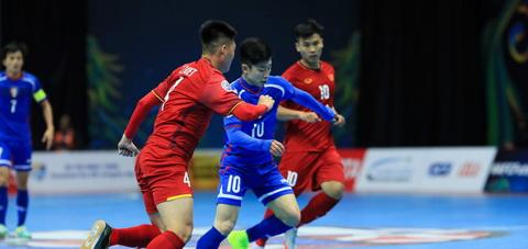 DT futsal Viet Nam Nhung nguoi choi bong va chet cho dat nuoc hinh anh 2