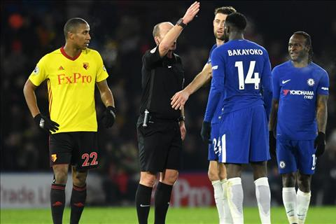 Chelsea tham bai truoc Watford Con bi cuc cua Conte hinh anh
