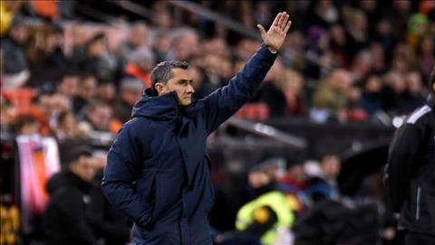 Valverde Barca tham chi con chua an mot! hinh anh