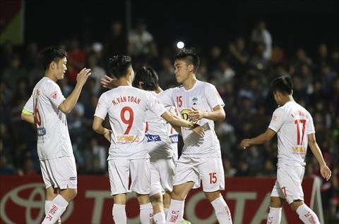 BLV Quang Huy chi ten ung vien vo dich V-League 2018 hinh anh