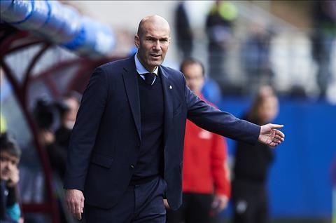 Eibar 1-2 Real Madrid Ngay Ronaldo lam lu mo Bale hinh anh 4