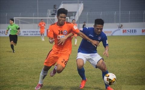 Duc Chinh nhan giai ban thang dep nhat V-League thang 4  hinh anh