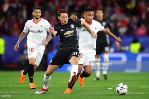 Man Utd vs Sevilla (2h45 ngay 143) 5 nam va 90 phut hinh anh 3
