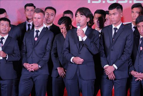 TPHCM lam le xuat quan, HLV Miura tu tin vo dich V-League hinh anh