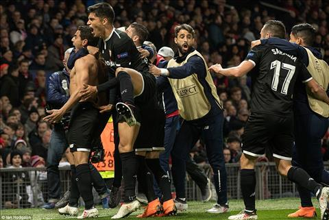 MU vs Sevilla (1-2): Nhan chim Quy Do, khach xung dang di tiep