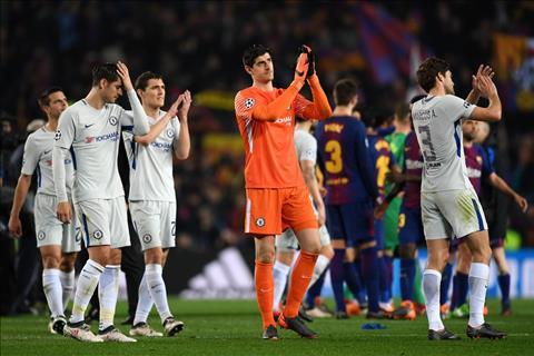 Alonso lay tham bai Barca 3-0 Chelsea lam dong luc vao top 4 hinh anh