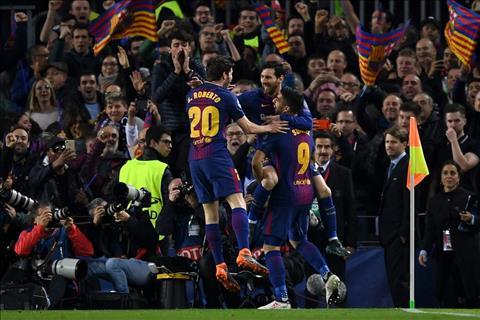 Vo duoc Roma, nguoi Barca lon tieng doa ca chau Au hinh anh
