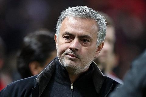 HLV Jose Mourinho thất bại tủi hổ trước Sevilla