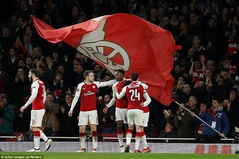 Arsenal 3-1 AC Milan Thang tung bung, nhung dung mung voi hinh anh