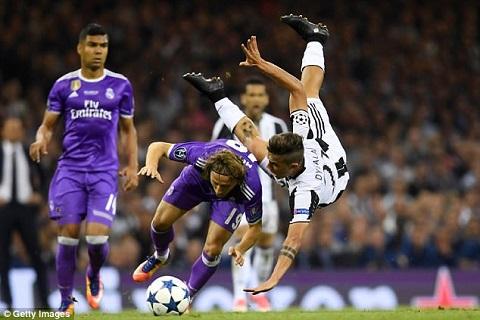 Cham mat Juve, Real Madrid da nghi toi ban ket hinh anh