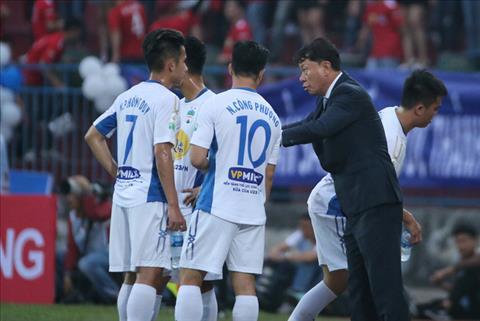 HLV Hai Phong noi gi ve man trinh dien cua cac cau thu U23 Viet Nam o HAGL hinh anh