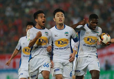 Luong Xuan Truong nhan giai thuong thang 3 V-League  hinh anh
