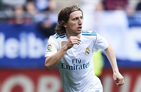 Real Madrid mua tien ve thay Modric o He 2018 hinh anh