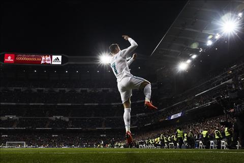 Goc nhin Ronaldo duoc thom lay nho da hoi sinh cua Real Madrid hinh anh