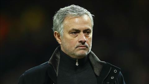 HLV Jose Mourinho co cach doi pho voi ap luc an tuong hinh anh